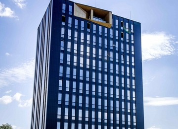 Biurowiec w miejsce porzuconego wieżowca