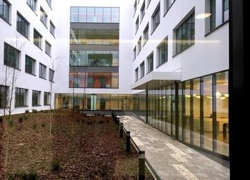 Krakowska Avia w rozbudowie