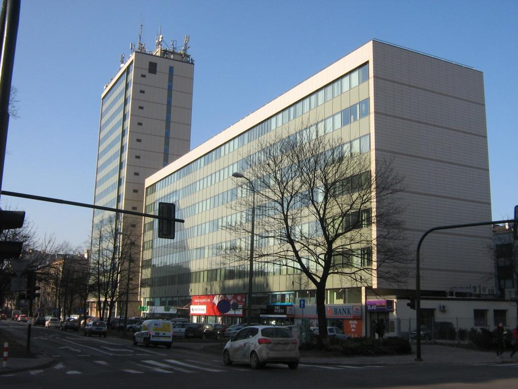 Biprostal office building