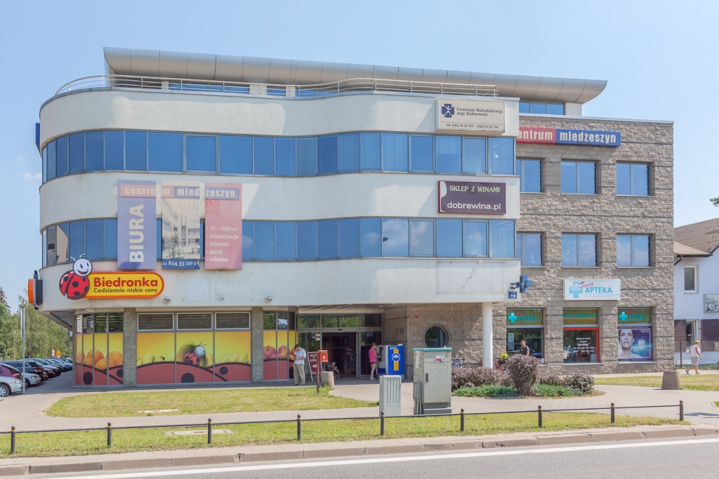Fasada biurowca - biura do wynajęcia