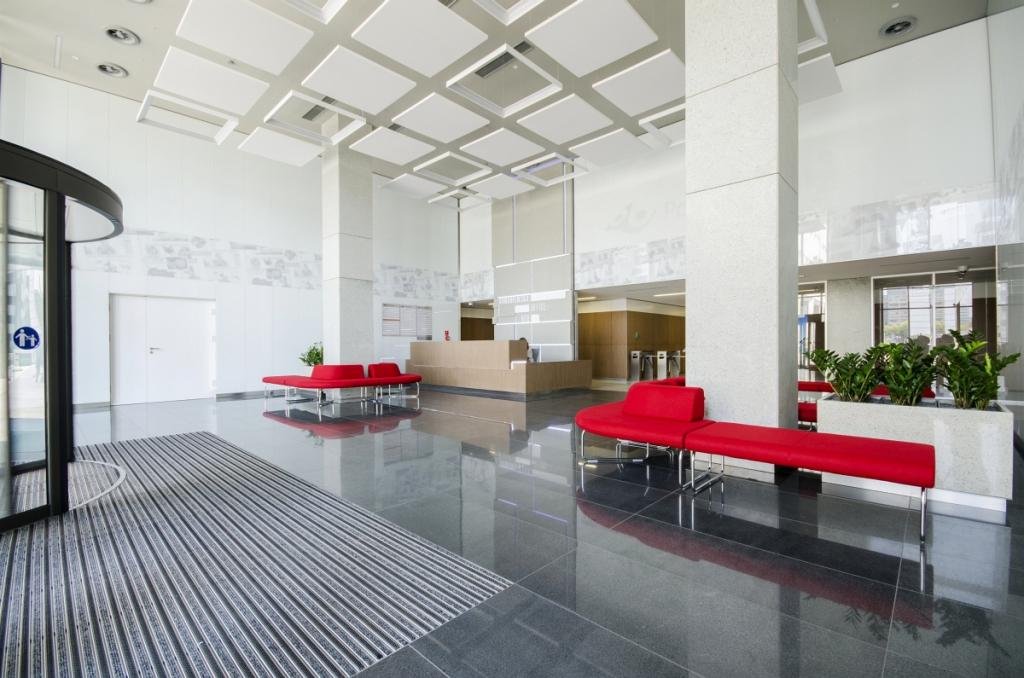 Wnętrza budynku biurowego [źródło: PHN S.A.]