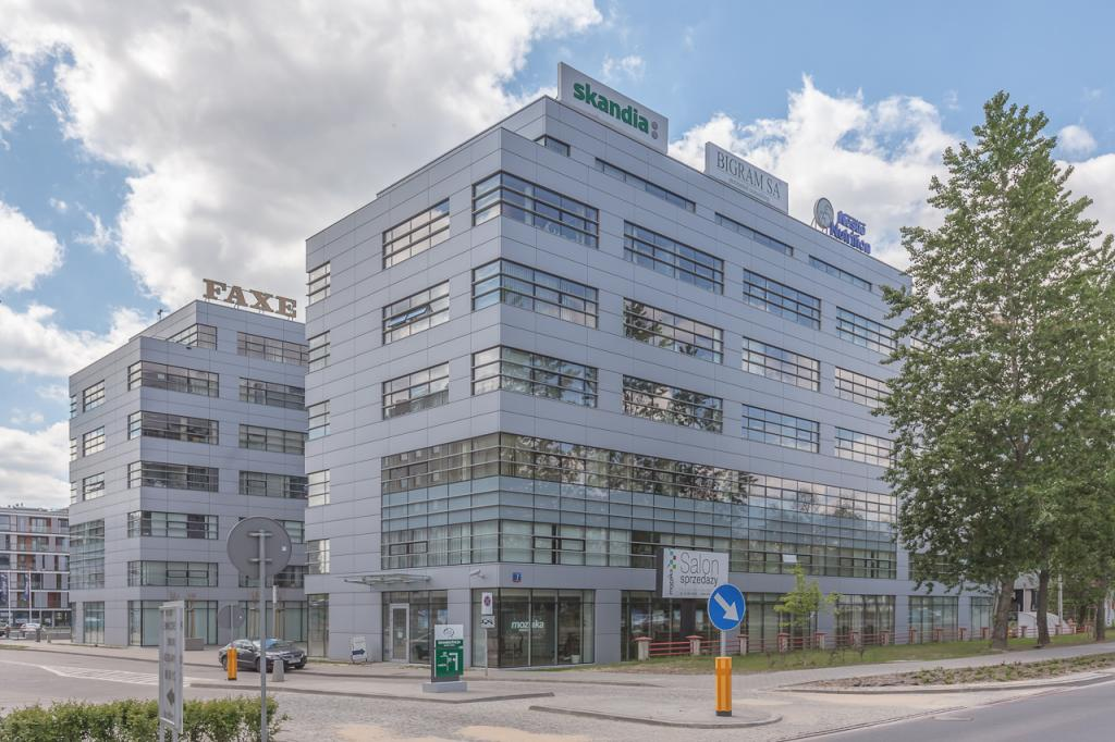 Building with offices for rent