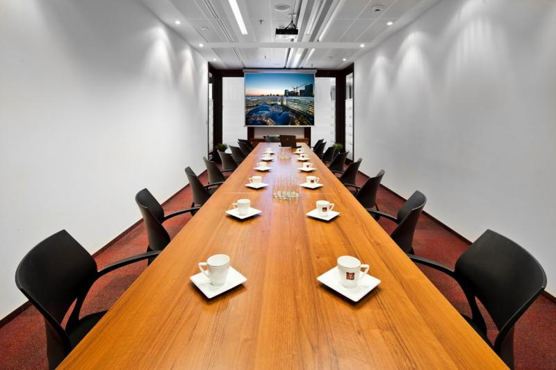 Conference room for rent by the hour on the VI floor