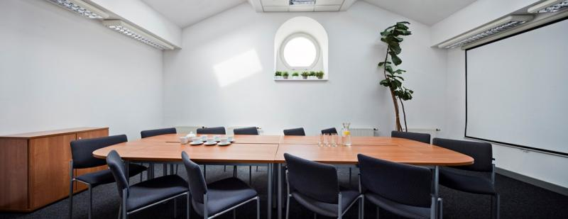 Conference room for rent by the hour