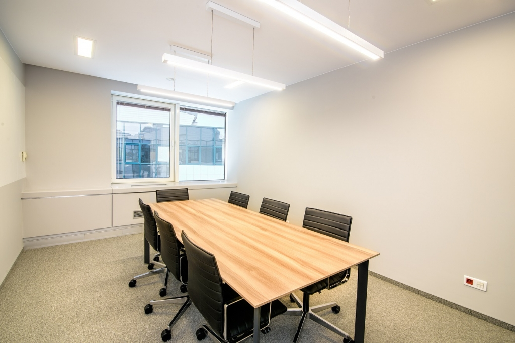 Sample meeting room