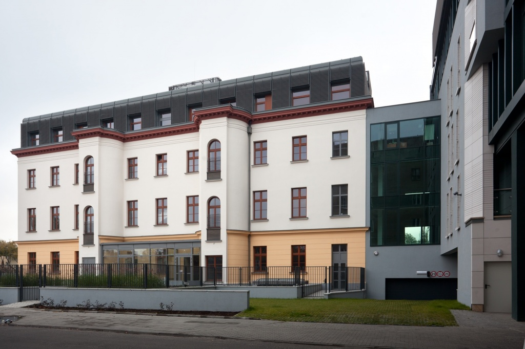 View of the building with offices to rent