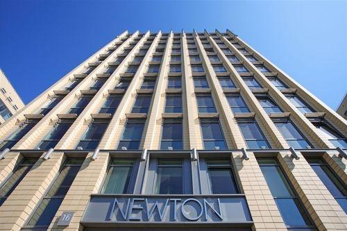 KORONA Newton