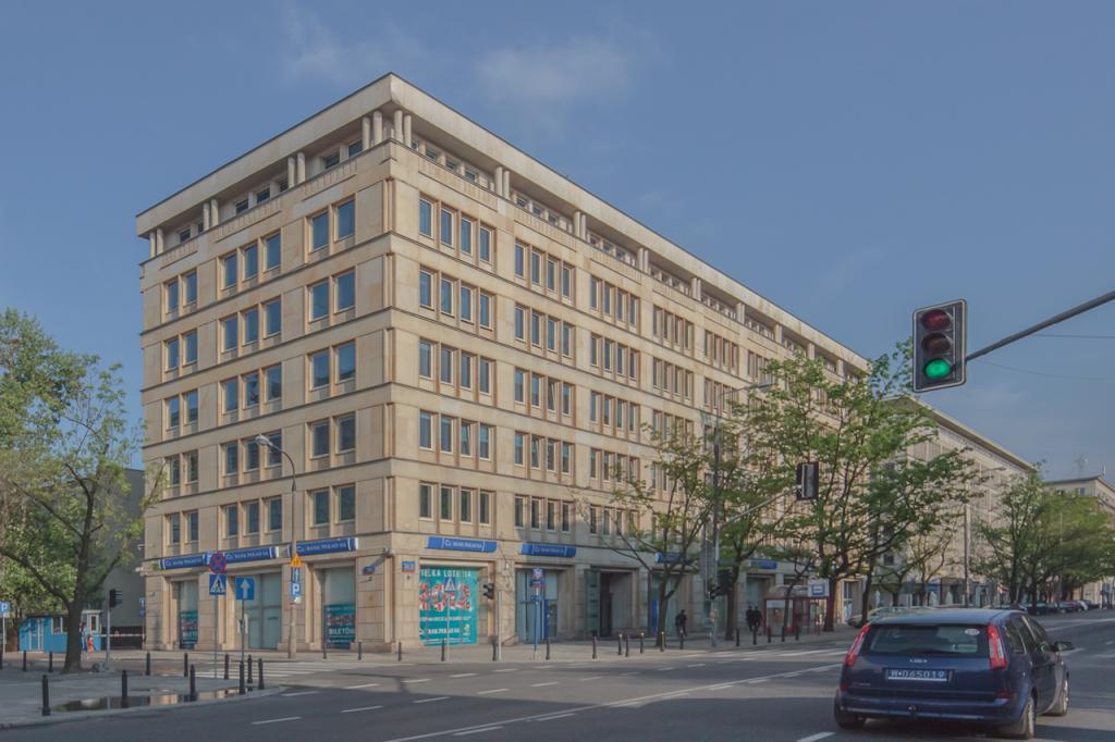 Budynek z powierzchnią biurową do wynajęcia