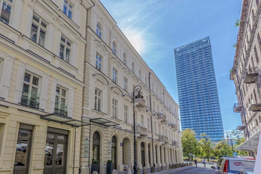 Budynek biurowy - widok od ulicy Próżnej