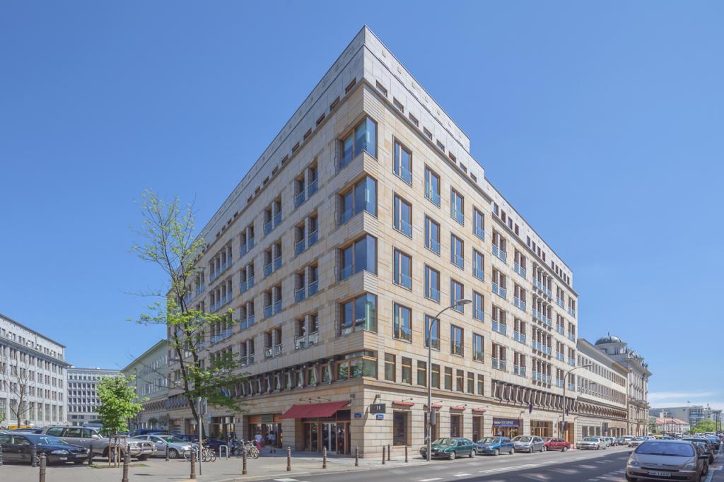 Budynek z przestrzenią biurową - widok z zewnątrz