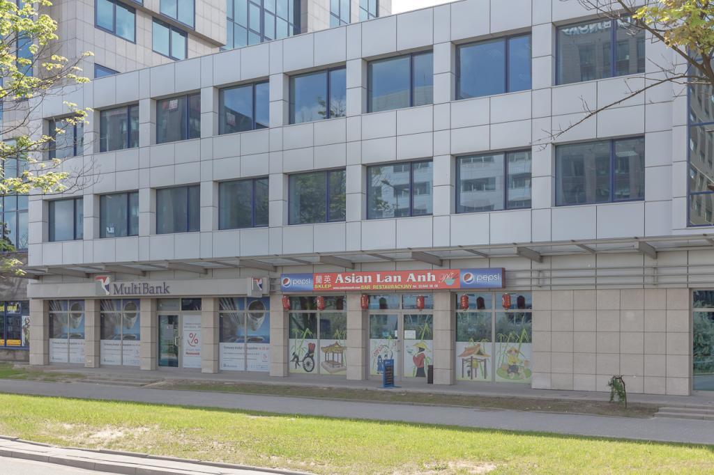 Budynek z biurami do wynajęcia