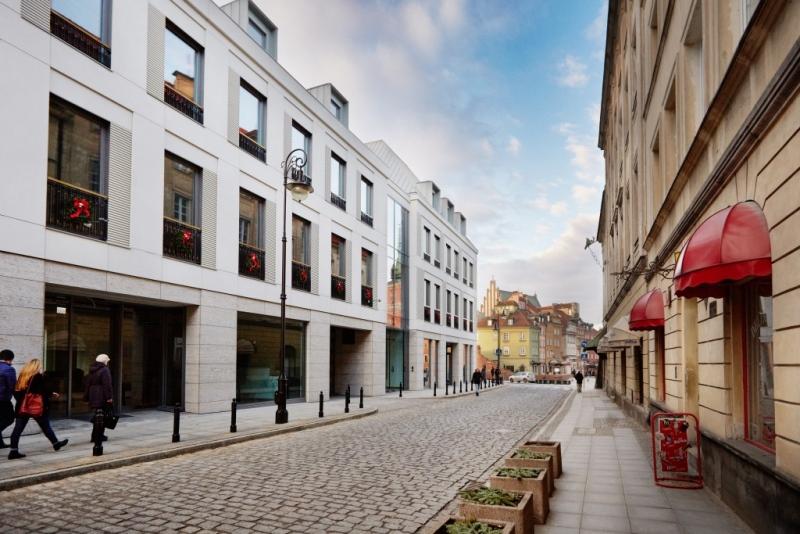 Plac Zamkowy - Business with Herritage view on Senatorska Street