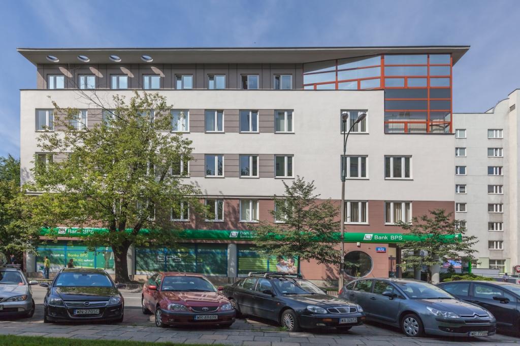 Elewacja budynku z przestrzenią biurową do wynajęcia
