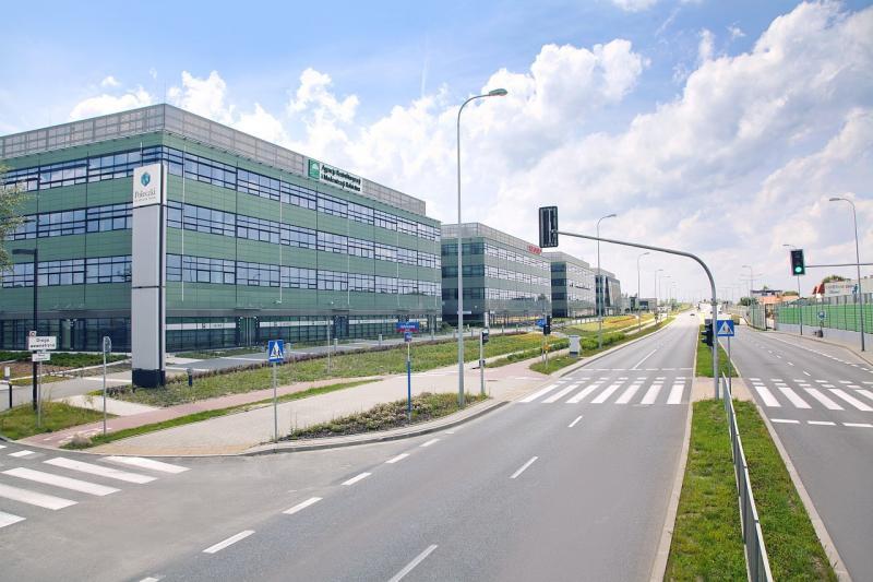 Budynek z przestrzenią biurową do wynajęcia