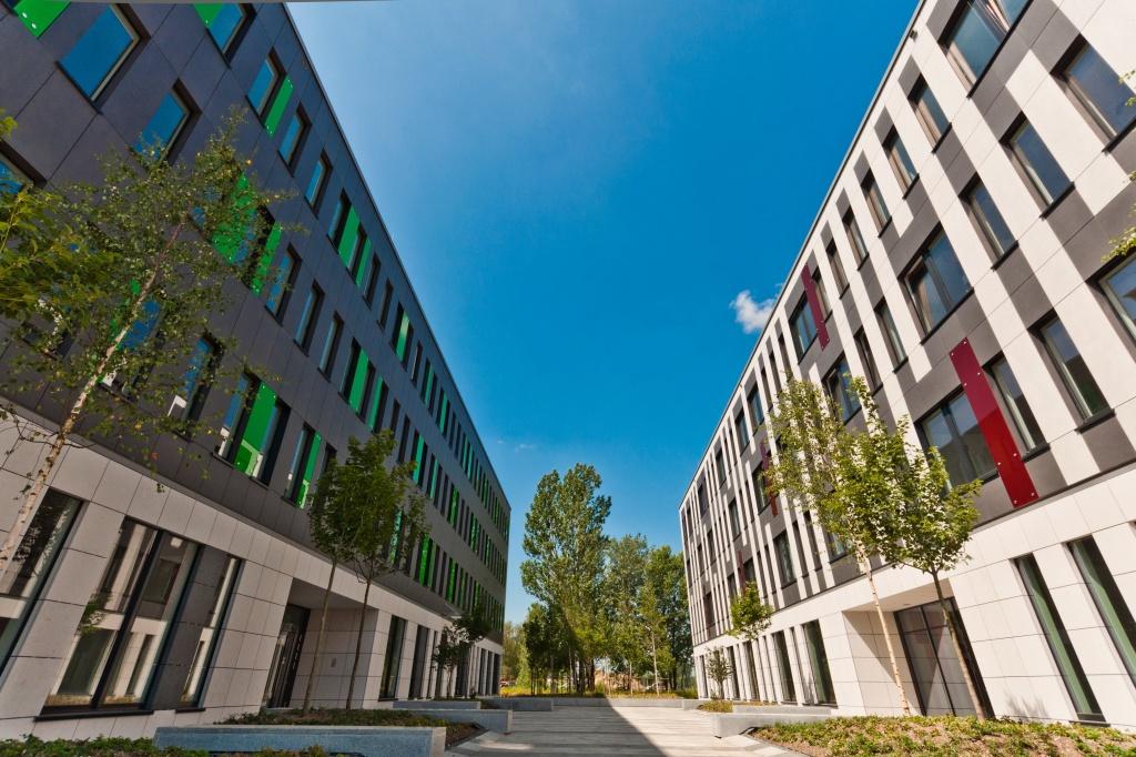 Widok na budynki biurowe