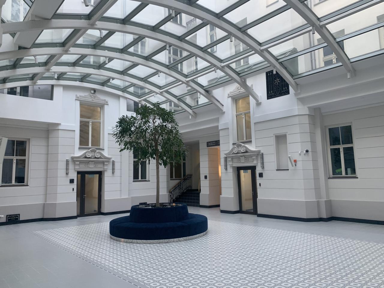 reprezentacyjne patio - widok z boku