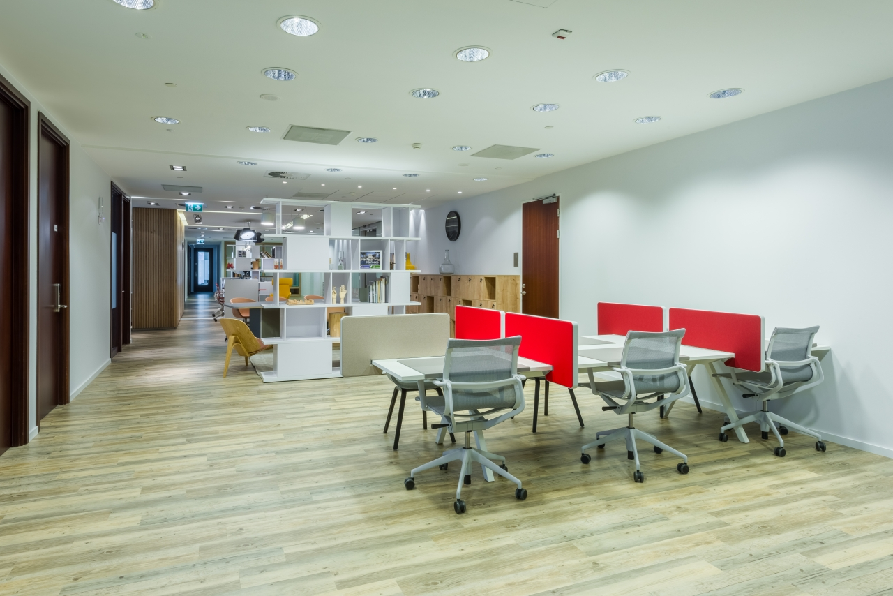 Regus Warsaw Financial Center