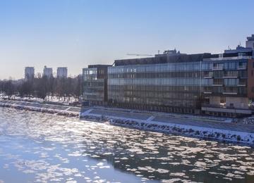 The Tides otwiera biura nad Wisłą