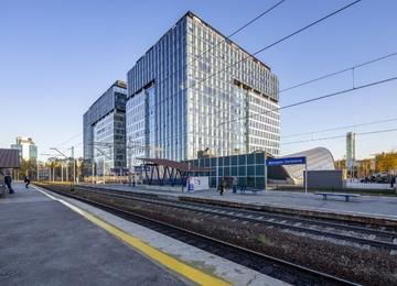 West Station oddany do użytku
