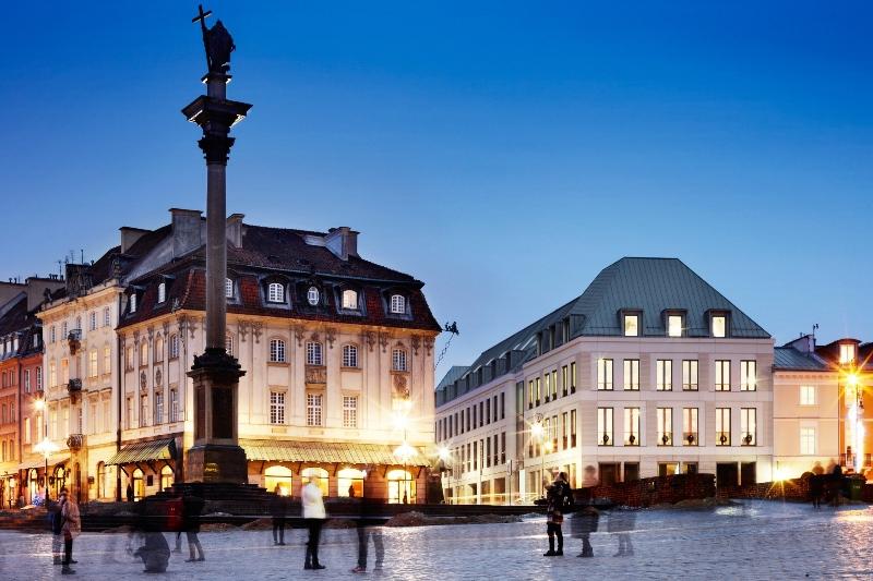 Plac Zamkowy - Business with Herritage widok nocą